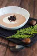 Maronen-Weißwein-Suppe mit Balsamicozwiebeln © Sabrina Kiefer & Steffen Jost | Feed me up before you go-go