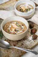 Vegane Maronen Creme Suppe mit schwarzem Salz © Joana Sonnhoff | Foodreich