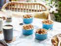 Frühstücksauflauf mit Äpfeln und Walnüssen
