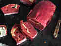Rote-Bete-Brot mit Frischkäse-Swirl