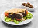 Falafel-Sandwich mit Tahini-Joghurt-Sauce © Karin Klemmer | Wallygusto