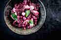 Rote-Bete-Antipasti mit Fetakäse und Minze © Stefanie Hiekmann | schmecktwohl